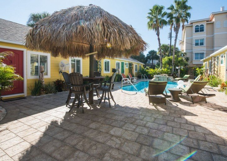 6West Beach Cottages- Heated Pool, Sleeps up to 22, Beachside of Gulf Blvd! #45