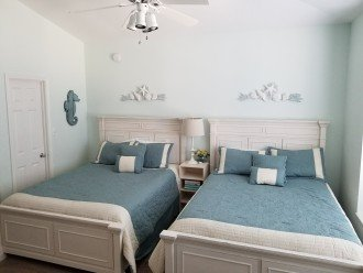 Guest Room w/ 2 Queen Beds