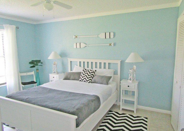 bedroom first floor queensize bed