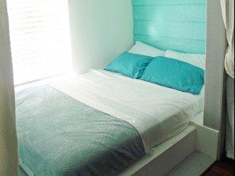 sleeping nook queensize bed