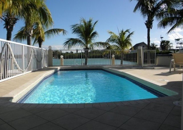 Sombrero Beachside Getaway W/ Heated Pool & Jacuzzi #2