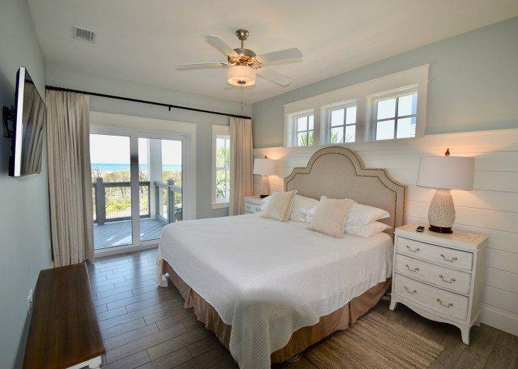 """September Specials"" Luxury Home, like Gulf Front, Heated Pool, Elevator #15"