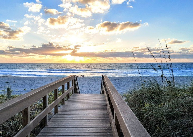 Direct Gulf Beachfront Condo-Just walk out the back door on to the sand! #5