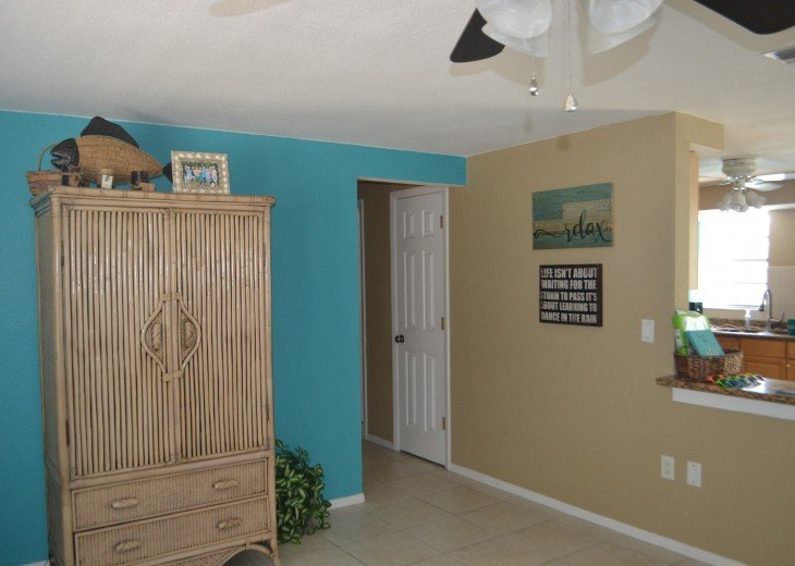 Private Heated Pool Home. Walk or bike to Shamrock Park and close to the beaches #9