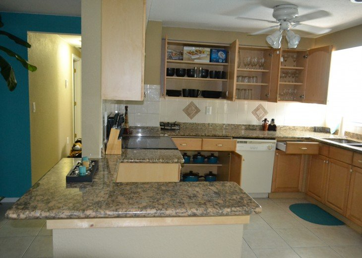 Private Heated Pool Home. Walk or bike to Shamrock Park and close to the beaches #12