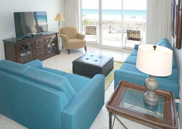 Amazing Beach Views * Budget Friendly * FREE beach service & WiFi #2