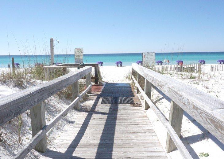 Amazing Beach Views * Budget Friendly * FREE beach service & WiFi #24