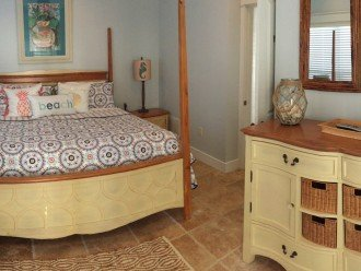 Carriage house King Bed