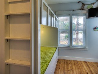 Bunk Bed Room - Sleeps 5