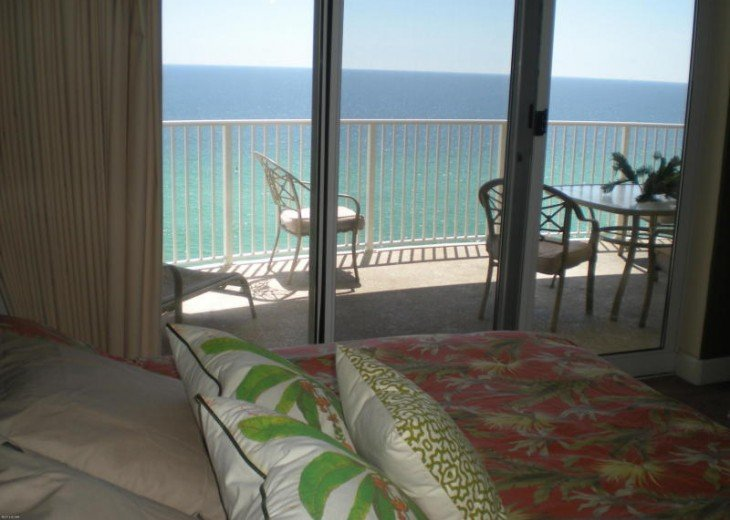 SALE!EMERALD ISLE,Ocean Front,Sleep 6,FREE Beach Chairs,Pier Park, PCB,FL #18