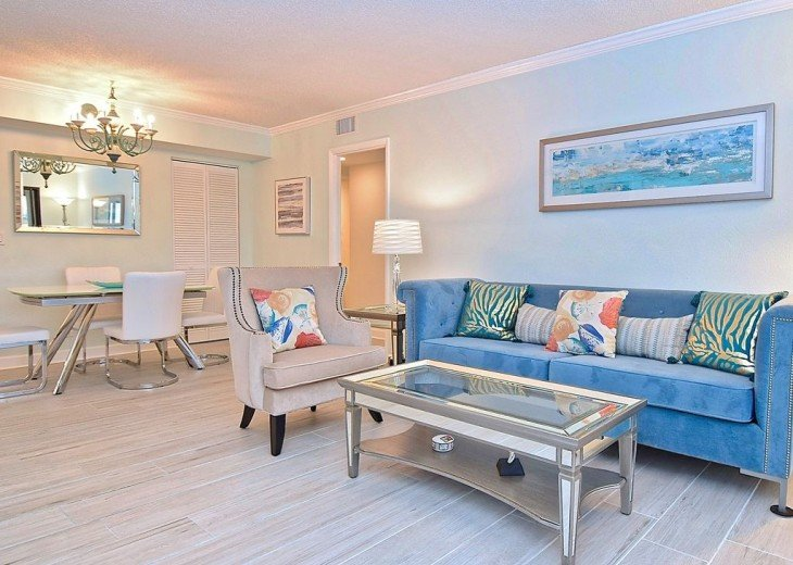Beautifully renovated condo, walk to Siesta Key Beach! See Special Summer Rate! #13