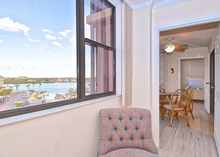 Beautifully renovated condo, walk to Siesta Key Beach! #8