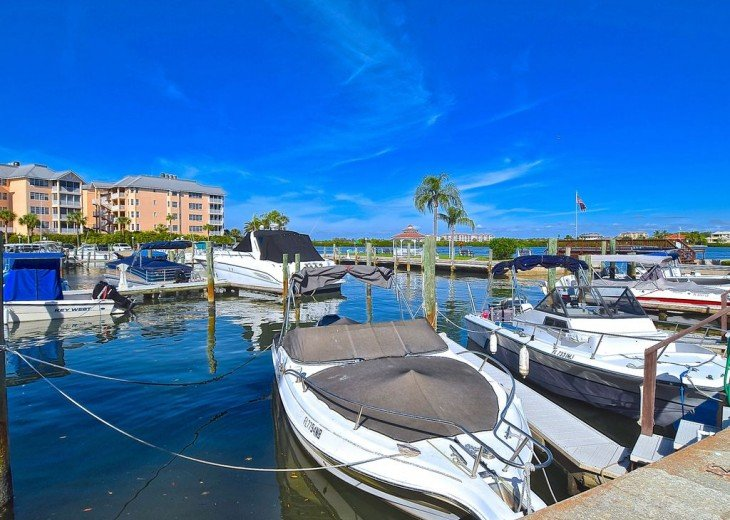 Beautifully renovated condo, walk to Siesta Key Beach! See Special Summer Rate! #16