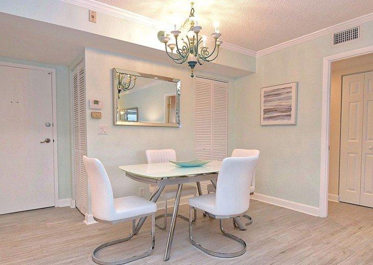 Beautifully renovated condo, walk to Siesta Key Beach! #12