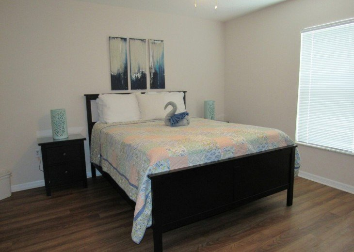 En suite with queen bed