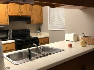 Full kitchen / private laundry
