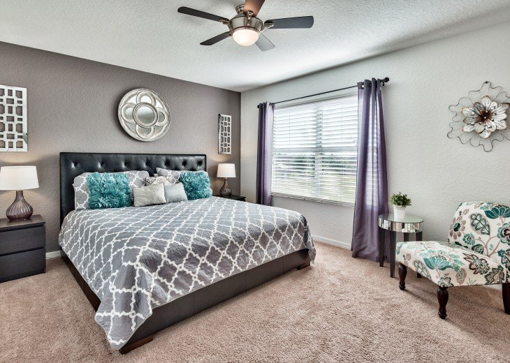 Master retreat with King bed and sitting area