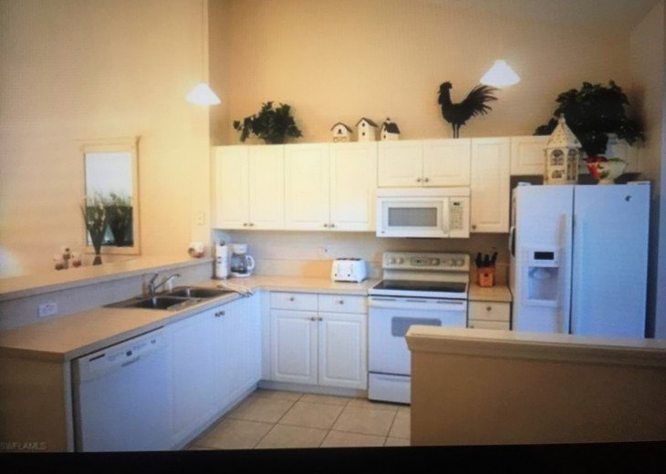 Pet Friendly Condo in Lely Resort #9