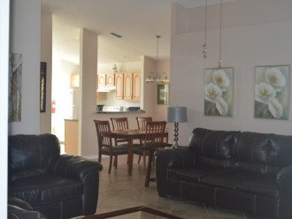 Vacation Rental Home Close to Disney, 4 Bdrm Private Pool, Free Internet #1