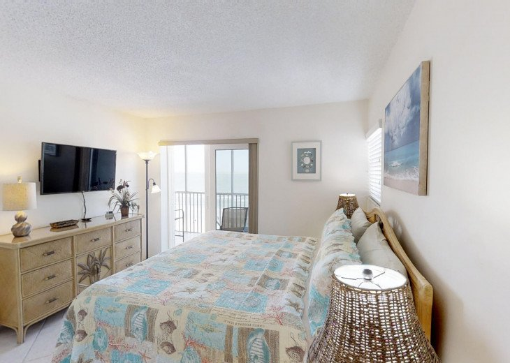 BEAUTY AT THE BEACH--Full front Gulf view!! Crescent Arms 601S #17