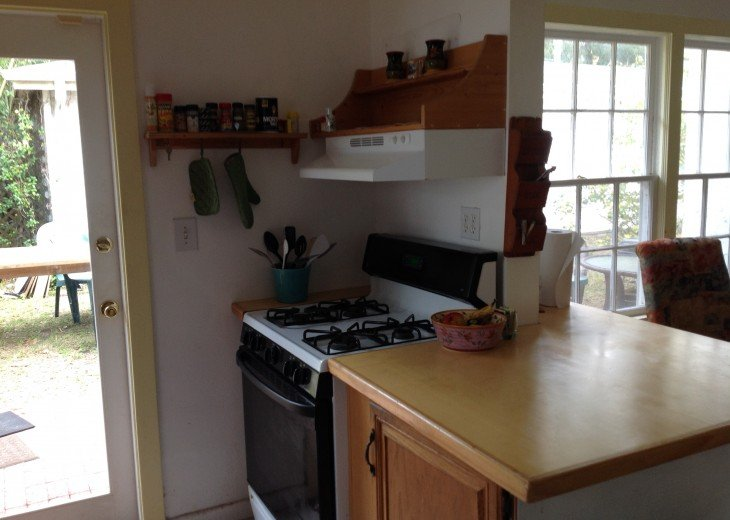 Peaceful Pinebrook Manor for 2 to 14 guests 1 block from Clearwater Country Club #16