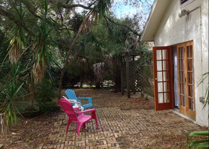 Peaceful Pinebrook Manor for 2 to 14 guests 1 block from Clearwater Country Club #36