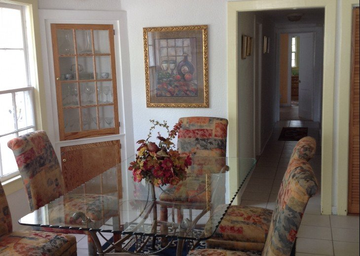 Peaceful Pinebrook Manor for 2 to 14 guests 1 block from Clearwater Country Club #4