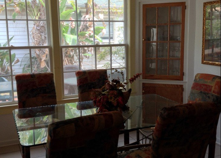 Peaceful Pinebrook Manor for 2 to 14 guests 1 block from Clearwater Country Club #9