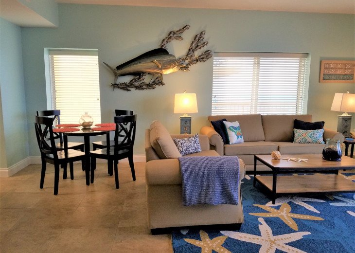 Dining area is right off the main living area~ great for entertaining.