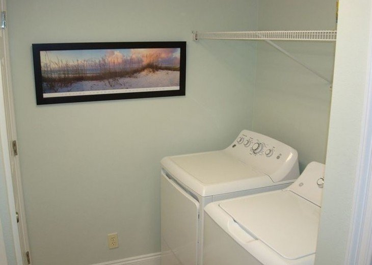 Convenient in unit laundry with full size washer & dryer