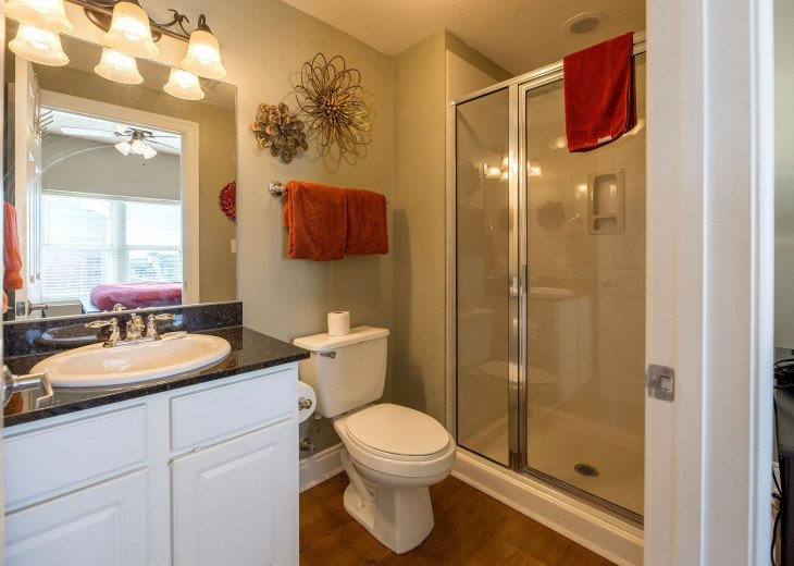 1st guest bdrm w/ private en suite w/ stand up shower