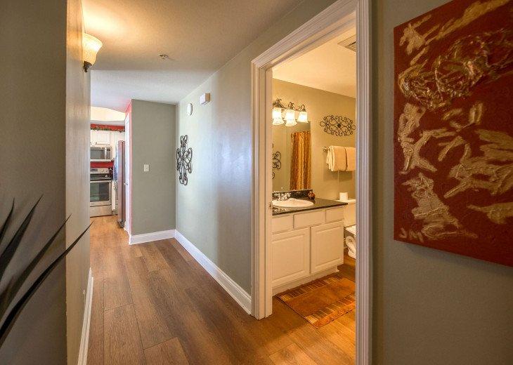Main hall entrance~ see the beautiful new hardwood floors!
