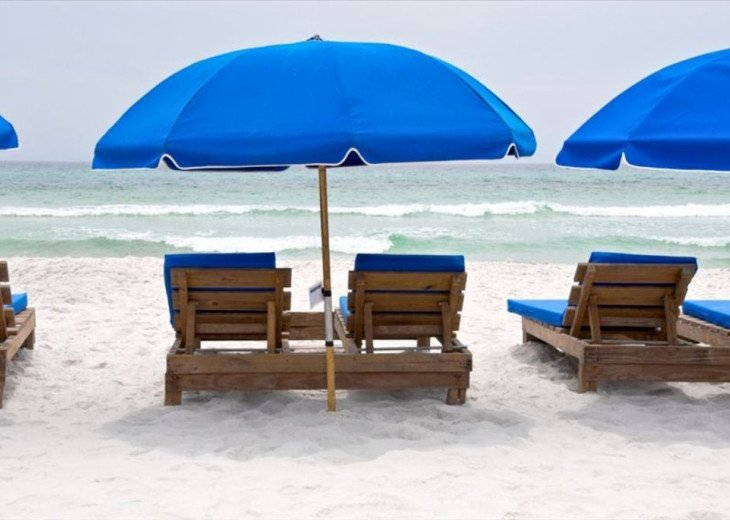 2 free beach chairs & umbrella service that comes w/ your reservation (Mar-Oct)