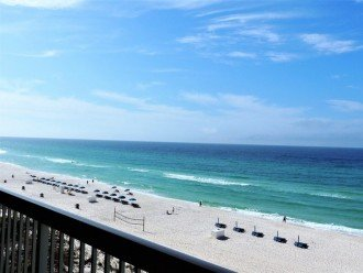 Views to the east from your balcony. A space to enjoy the beauty of the Gulf.