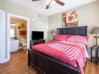 1st guest room w/ queen size bed, flat screen TV, Gulf of Mexico views & ensuite