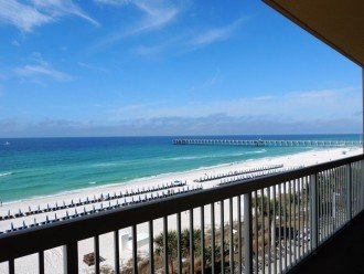 Welcome to the Beach! Beautiful views of the Emerald Coast from your balcony.
