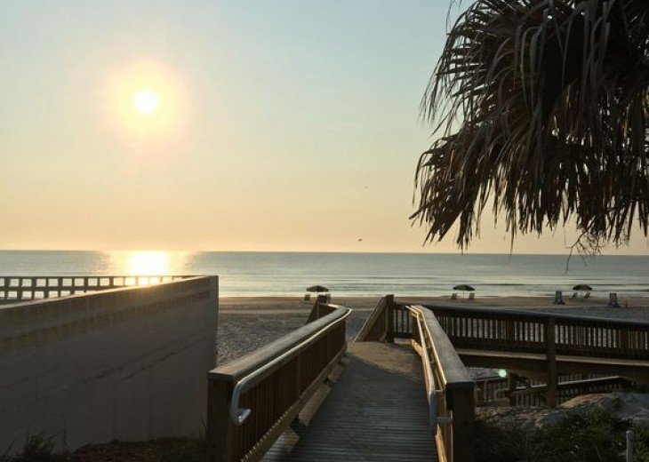 UNIQUE! * 2 HOMES in 1 * STEPS TO BEACH * 4 BR 2 BA * COTTAGE BY THE SEA * PETS #2