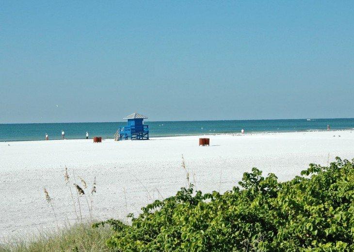 Best Location - Resort Amenities - Walk to Beach and Village, Pool & Boat Docks #19