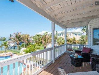 outdoor seating/balcony/pool