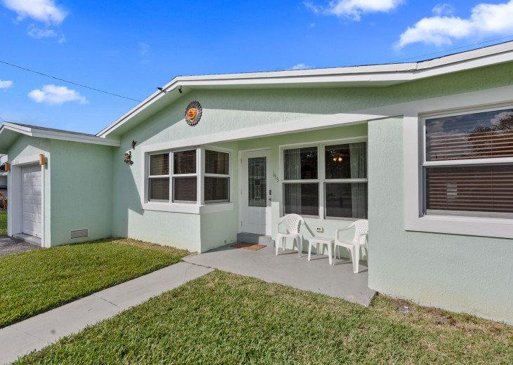 Licensed Vacation Rental with private pool 1 mile from the beach #4