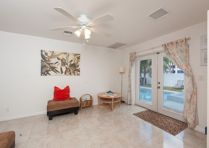 Licensed Vacation Rental with private pool 1 mile from the beach #17