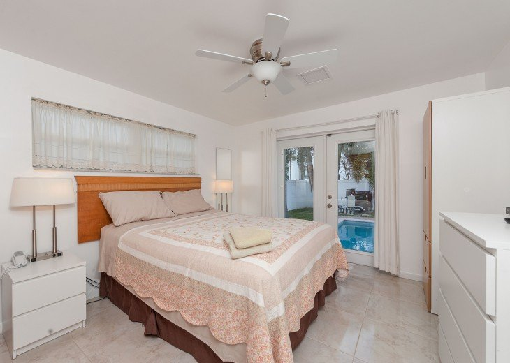 Licensed Vacation Rental with private pool 1 mile from the beach #26