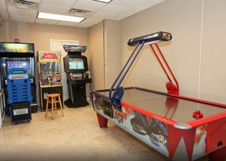 Air Hockey plus more Arcade Games