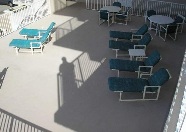 Like New! Large Ormond Beach 4th Floor Corner Oceanfront 2/2 Condo Sleeps 6 #39