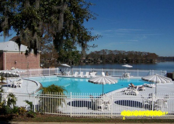 Beautiful Direct Lakefront Town home In N. Orlando with WiFi #16
