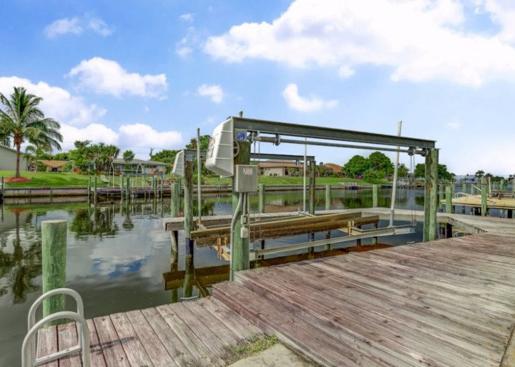 Seas The Day - 3 Bedroom, 3 Bathroom Home plus Den, SE Cape Coral Waterfront #9