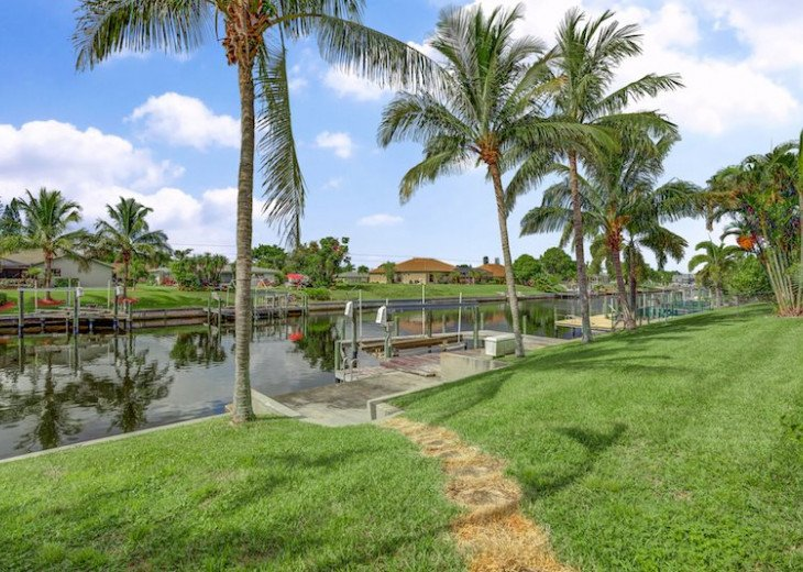Seas The Day - 3 Bedroom, 3 Bathroom Home plus Den, SE Cape Coral Waterfront #5