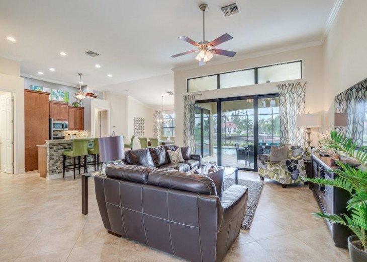 Villa Gasparilla - SW Cape Coral 3b/2ba + den luxury home w/electric heated pool #13