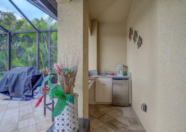 Villa Gasparilla - SW Cape Coral 3b/2ba + den luxury home w/electric heated pool #10