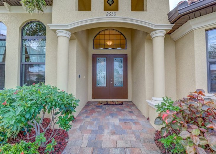 Villa Gasparilla - SW Cape Coral 3b/2ba + den luxury home w/electric heated pool #3